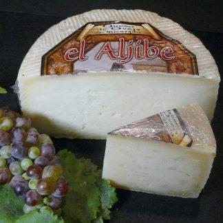 Queso artesano / natural cheese / Natur-Käse