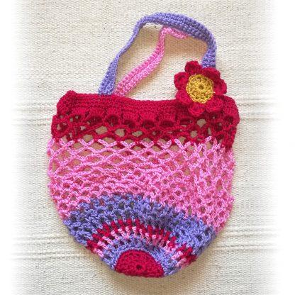 red-crochet chica
